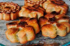 """Cea mai bună """"Prăjitură cu mere"""" din toate ce le-ați pregătit până acum! Descoperiți o rețetă de notă 10! - Bucatarul French Toast, Deserts, Breakfast, Food, Banana, Morning Coffee, Desserts, Dessert, Meals"""