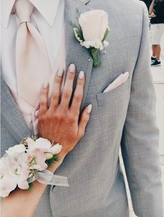 c5083e35b54 I N S T A G R A M  EmilyMohsie Prom Couples
