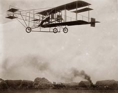 Here is an original photograph of R.P. Warner's aeroplane, in flight. It was created 12/28/09. The photograph illustrates R.P. Warner's aeroplane, in flight.