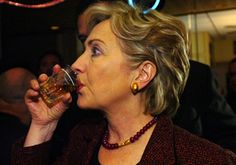 Hilary Clinton drinks whiskey what-politicians-drink Hillary Clinton Health, Human Rights Movement, Smash The Patriarchy, Drinking Buddies, Whiskey Drinks, Celebs, Celebrities, Whisky, My Girl