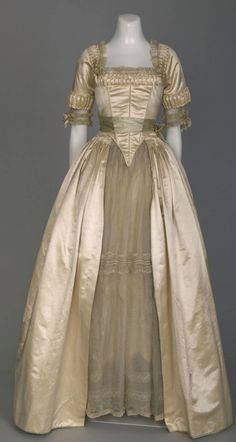 Wedding dress by Lucile, 1916, at the Chicago History Museum