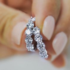 2.00CTW ROUND BRILLIANT CUT DIAMOND HOOP EARRINGS IN 14KT WHITE GOLD SHARED PRONG SETTING