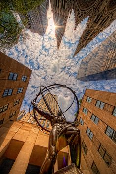 Atlas statue in front of Rockefeller Center in midtown Manhattan, New York City