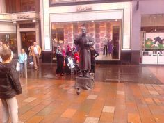 Street Entertainers Glasgow