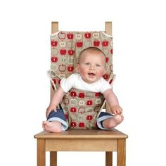 Totseat - Chaise nomade Totseat pour bébé - Maman Natur'elle Plus Travel High Chair, Siege Bebe, Baby Bibs Patterns, Baby Chair, Baby Safety, Sewing Projects For Beginners, Baby Crafts, Baby Decor, Kind Mode