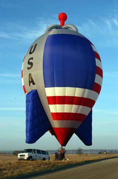 Hot Air Balloons - American Rocket - The Albuquerque International Balloon Fiesta, USA Albuquerque Balloon Festival, Albuquerque Balloon Fiesta, Air Balloon Festival, Air Balloon Rides, Hot Air Balloon, Big Balloons, Floating Balloons, Air Ballon, I Love America