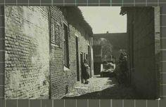 Beschrijving: Zijstraat van de Hogesteenweg Locatie: Hogesteenweg; Parochie Sint Martinus (Centrum); Weert;   Datering: -