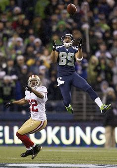 Seahawks defeats the 49ers, 42-13  Doug Baldwin makes a 43-yard circus catch in the first quarter, bobbling the ball but taking possession before he hits the ground. 49er cornerback Carlos Rogers overshoots the play and leaves the catch to Baldwin.
