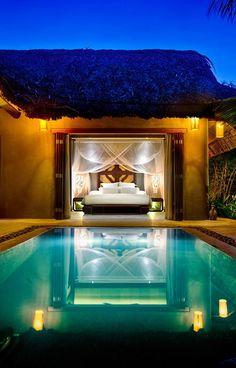 Vanuit je kamer zo het zwembad in