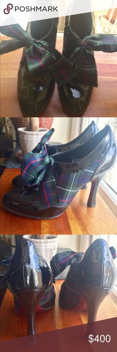 Louis Vuitton 2004 Derby Plaid Bootie 38 RARE Beautiful black patent ankle bootie with plaid details! Narrow fit, ideal for 37.5 or solid narrow 8.  Very rare and highly coveted design from Marc Jacob's famous 2004 season.  Absolute head turner! Louis Vuitton Shoes Ankle Boots & Booties