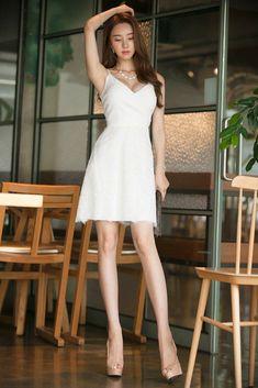 Beautiful Legs, Beautiful Asian Girls, Beautiful Women, Korean Beauty, Asian Beauty, Basic Outfits, Asian Fashion, Women's Fashion, Sexy Legs