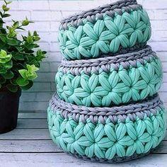 T Shirt Yarn Beautiful Crochet Crochet Yarn Merino Wool Blanket Crochet Projects Basket Weave Crochet Yarns Strands Cute Outfits Basket Weave Crochet, Crochet Bowl, Crochet Basket Pattern, Knit Basket, Knit Crochet, Crochet Home Decor, Crochet Crafts, Yarn Crafts, Crochet Projects