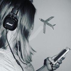 It's just me, myself and I ❤️ #mobile #plane #land #hello #girl #tumbrl #headphones #black #white #blue #selfmade #bey #marshallheadphones