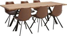 Woonkamer Spencer is een strak teakhouten programma uit onze Puur collectie. Het programma bestaat uit diverse complementerende meubelen. De eetkamertafel op 220 x 100 centimeter is een karaktervol meubel met een uniek en robuust onderstel.