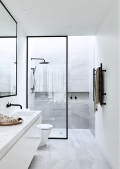 Modern Toilet and Bathroom Designs Home Interior Design Modern Minimalist Black and White Lofts modern bathroom design small modern bathroo. Minimalist Bathroom Design, Modern Bathroom Design, Bathroom Interior Design, Modern Minimalist, Bathroom Designs, Bathroom Images, Interior Livingroom, Modern Design, Modern Toilet Design