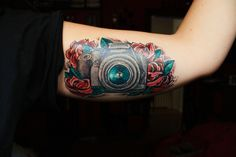 camera with a heart in it | Camera and roses tattoo | Camera Tattoos | We Heart It
