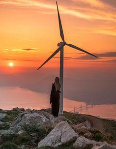 """Πατρινό δίδυμο """"σαρώνει"""" στο instagram ποστάροντας τις ομορφιές της πόλης μέσα από """"ψαγμένες"""" φωτογραφίες - Life&the City - The Best News Wind Turbine, Greece, Instagram, Greece Country"""