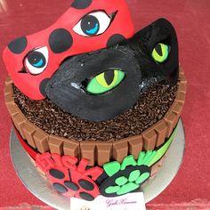 Ver esta foto do Instagram de @gabrielafaleiroximenes • 16 curtidas 9th Birthday Cake, Frozen Birthday Party, Birthday Party Favors, Birthday Parties, Lady Bug, Miraculous Ladybug Party, Bug Cake, Bubble Guppies Birthday, Cat Noir