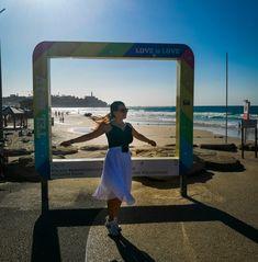 3 dias em Tel Aviv, Israel - Sonhos em Roteiros | Blog de Viagem e Turismo Orlando, Tel Aviv Israel, Beach, Travel, Dead Sea, Mediterranean Sea, Bike Rides, Train Station, Road Maps