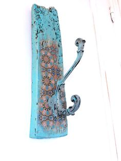 Driftwood Hook Moroccan Decor with Victorian Style by NoaParis