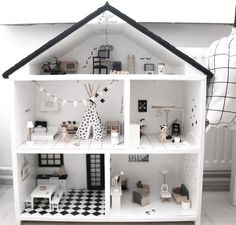 Set your own unique doll house together with .Set your own unique doll house along with this one The Effective Pictures - Doll House Plans, Barbie Doll House, Barbie Furniture, Modern Dollhouse Furniture, Kids Furniture, Miniature Houses, Diy Dollhouse, Little Houses, Diy For Kids