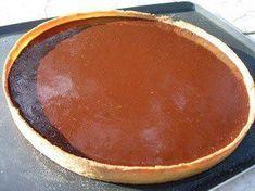 Vous noterez l'absence (ou presque) de sucre dans cette recette, c'est une tarte vraiment chocolat et donc un peu amère.