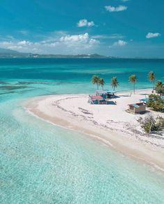 Palomino Island of the coast of Fajardo, Puerto Rico 🇵🇷 📸 Puerto Rico Island, Puerto Rico Trip, The Beach, Beach Fun, Fajardo, Places To Travel, Places To See, Peru Ecuador, Beach Bodys