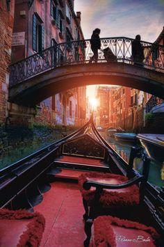 Venice. Sailing through a painting canvas, by Pranav Babu