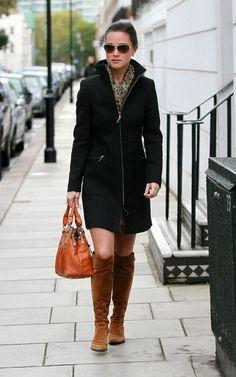 I want this coat. I wonder where Pippa got it?!
