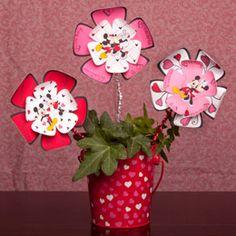 Mickey and Minnie valentine centerpiece, girls will love this
