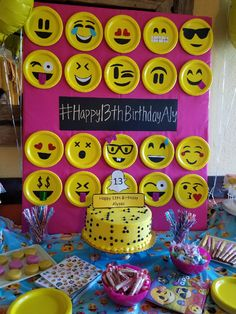 Cumple tamy Birthday Party Design, Girl Birthday Themes, Birthday Party For Teens, Birthday Fun, Birthday Party Decorations, Party Themes, Party Ideas, Emoji Decorations, Emoji Theme Party