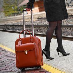 McKlein női utazótáskák, ahol a kényelem, elegancia és funkcionalitás találkozik Business Briefcase, Laptop Briefcase, Briefcase Women, Key Lock, Storage Spaces, Zipper, Pens, Business Cards, Lady
