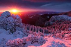Planet earth is more beautiful than most of us can imagine. This photo album brings together some of the most astounding nature pictures ever taken. Feast your eyes on this wonderful world :) Winter Szenen, Winter Sunset, Red Sunset, Winter Magic, Amazing Sunsets, Amazing Nature, Beautiful World, Beautiful Places, Amazing Places