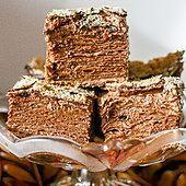 "Tort ""czekoladowy napoleon"" - pyszny przepis na tort ""czekoladowy napoleon"" - Durszlak.pl Polish Recipes, Polish Food, No Bake Cake, Tiramisu, Ale, Biscuits, Muffins, Sweet Treats, Deserts"