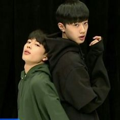 So in luv with their troublemaker 💗 could watch it the whole time Yoo Seonho, Dont Lose Hope, All Meme, Guan Lin, Lai Guanlin, Produce 101 Season 2, Kim Jaehwan, Ha Sungwoon, Now And Forever