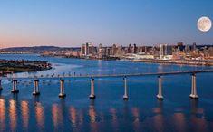 """""""SAN DIEGO, DIVERSIÓN AL AIRE LIBRE""""... Con 117 kilómetros de costa bañada por el sol casi todo el año, San Diego es la viva imagen de la diversión californiana. Todo en…"""