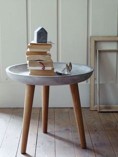 15 cracking concrete creations adamchristopherdesign simphome Table Beton, Concrete Table, Concrete Houses, Concrete Furniture, Concrete Crafts, Concrete Wood, Concrete Projects, Concrete Design, Concrete Planters