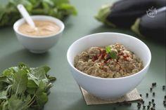 Il babaganoush è un antipasto tipico del Medio Oriente, a base di polpa di melanzana, aromatizzata dalla tahina e delle foglioline di menta!