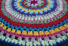 The Lazy Hobbyhopper: Colour burst crochet table topper