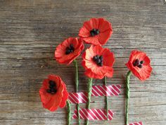 Coquelicots  fleurs rouge miniature  en papier de par SQUISHnCHIPS