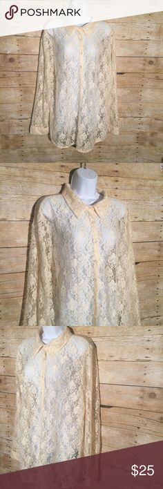 """Unique Spectrum Ivory Floral Lace Button Up Blouse Blouse is in good condition, no stains or flaws  Size: 2X  Chest 23"""" Sleeve 23 1/2"""" Length 28"""" Unique Spectrum Tops Button Down Shirts"""