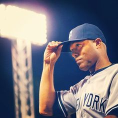 Mariano saying goodbye to Fenway Park, for the very last time...♥