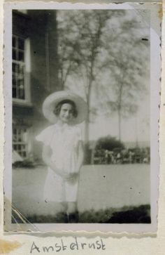 Portrait of Anne Frank in front of a house wearing a sun hat taken from her photo album, Amsterdam, Holland. Get premium, high resolution news photos at Getty Images Anne Frank, Margot Frank, Rare Photos, Rare Historical Photos, Vintage Photos, World War Two, My Idol, In This Moment, Architects