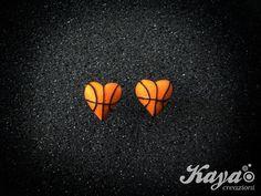 Orecchini palla da basket cuore -fimo Basketball earrings heart - polymer clay E comunque….#SempreForzaVarese @PallCantu vs @PallVarese #palla #ball #basket #sport #basketball #Pallacanestro #Openjobmetis #Varese #SerieABeko #CantuVarese #Derby #KayaCreazioni  #Pozzecco #BekoASG15 Kaya Creazioni http://www.facebook.com/KayaCreazioni