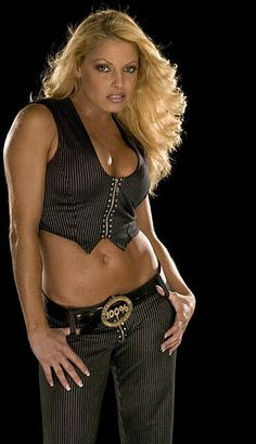 Former WWE Diva Trish Stratus