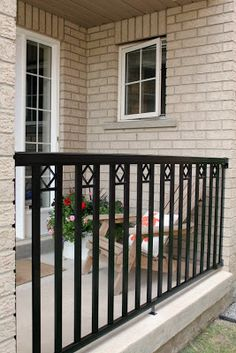 Porch railing can be a good idea because it gives a safe place for kids to not going out from home. Here are some porch railing ideas to make your home more eye catching. Wrought Iron Porch Railings, Front Porch Railings, Patio Railing, Metal Railings, Garden Railings, Glass Railing, Front Porches, Porch Railing Designs, Steel Railing Design