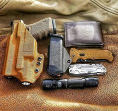 Holster love from @boatsnhoez33 with EDC for ya #edc #2A #gunporn #gunsandammo #guns #pistol #fde #fdeglock #aandrdesign #freedom #pewpew #pewpewlife #tacticalgear #tacticallife #511tactical #igmilitia #igshooters #edcbelt #ccw #everydaycarry #america #holster #holsters Anrdesignkydexholster.com