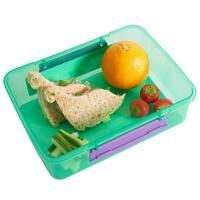 Featuring a variety of shapes, from dinosaurs to dolphins, this 9 piece set of food cutters are perfect for either boys or girls! Bread Mold, Fruits And Vegetables, Diy Food, Food Art, Safe Food, Sandwiches, Inspire, Healthy Recipes, Snacks