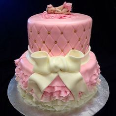 Pink quilted babyshower cake