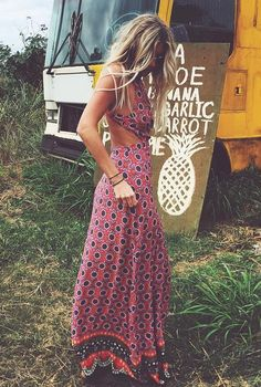 Festival style inspo RIGHT there..! Opt for cut out maxi dresses with sandals for a festival in the sun.